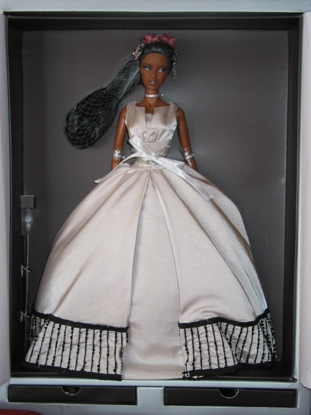 Lori s Doll World: NU Face Fashion royalty colette painted black