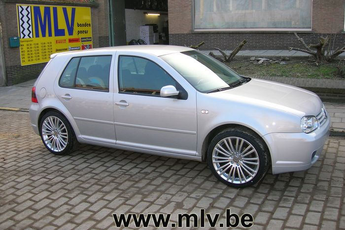 vw golf iv 1 6 mettre jantes alu golf v r32 musashi. Black Bedroom Furniture Sets. Home Design Ideas