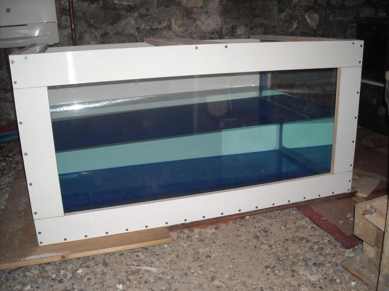 Fabrication d 39 un aquarium en bois - Fabrication d un bureau en bois ...
