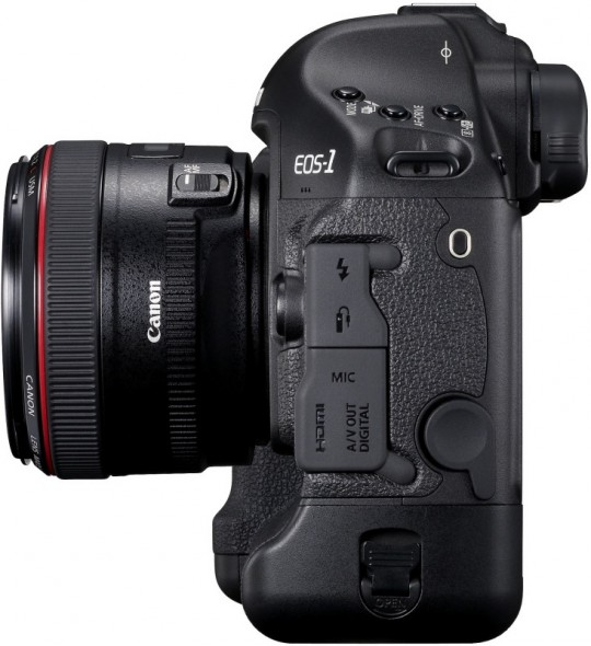 Canon EOS 1D Mark IV de côté