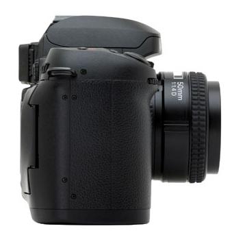 le Nikon D100 de côté