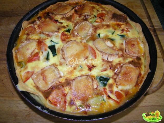 Tarte salee du sud au chevre les petits plats dans les grands - Recette tarte salee originale ...
