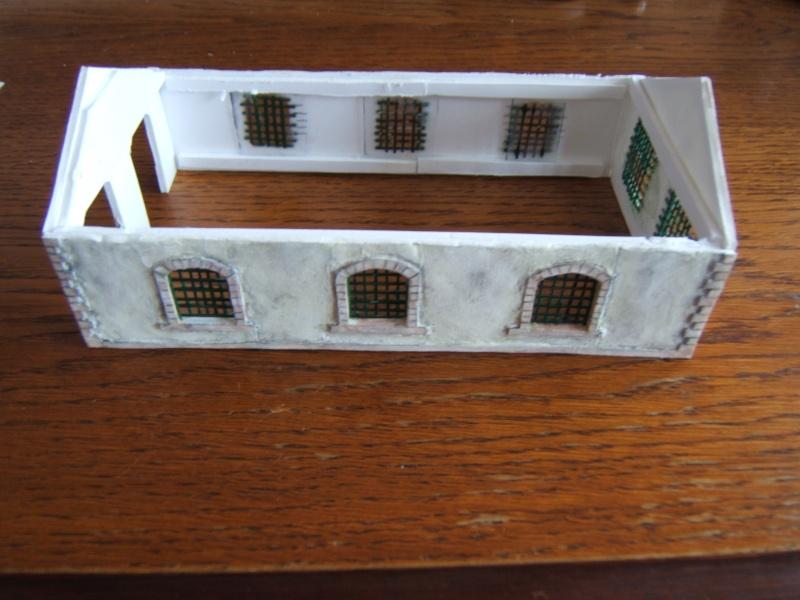 construction d une remise en carton plume. Black Bedroom Furniture Sets. Home Design Ideas