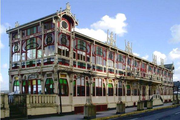 edificios clasicos de coruna